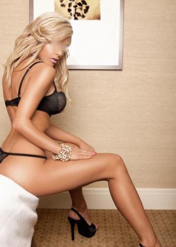 Blonde Escort Maria