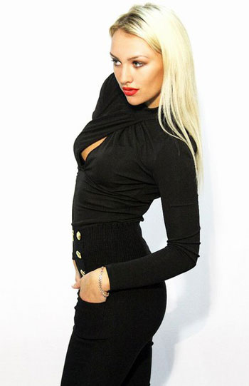Blonde Escort Jasmin